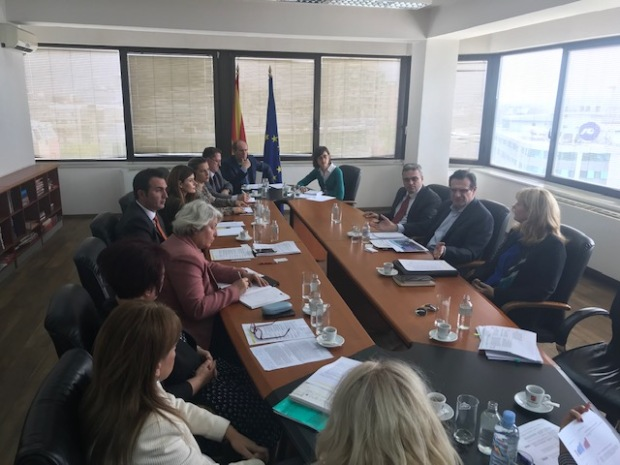 Minister Macedonia.jpg